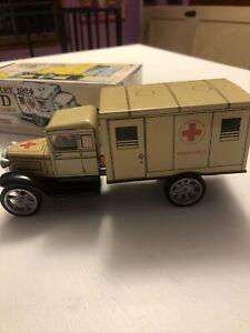*** KOVAP  RETRO HAWKEYE 1924 TYPE D (ambulance) TIN CAR In Box ***