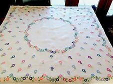 "VINTAGE HAND EMBROIDERED WHITE LINEN "" Mass Of Daisies "" TABLE CLOTH 41x42"""