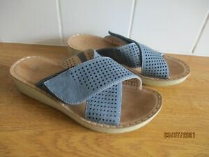 UNBRANDED and BRAND NEW slate blue faux suede open toe sandals size UK 3 EU 36