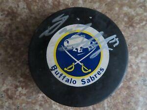 Signed Autographed NHL Hockey Puck Buffalo Sabres - Dominik Hasek