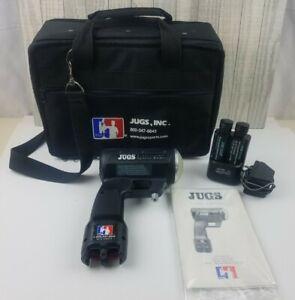 Jugs Professional Sports Radar Gun w/ VersaPak Charger 2 Batteries Bag Tested
