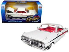 1/24 Jada 1961 Chevrolet Impala Lowrider Series Street Low Diecast White 98929