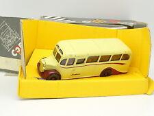 Corgi 1/50 - Bus Autobús Bedford OB coach Boultons