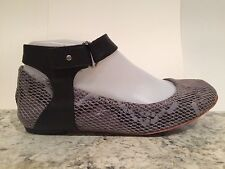 Tsubo Hedi Ballet Flats Round Toe Embossed Suede Snake Black Gray 37/6 New