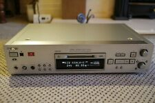 Sony MDS-JB980 QS Minidisc recording deck. UK Special Edition + Remote. SILVER.