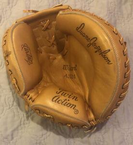 Wilson A2542 Pro-Toe Professional Catcher's Baseball Glove Mitt LHT Twin Action