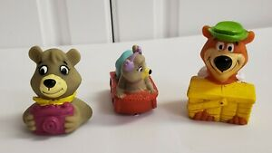 1994 Arby's 2 Yogi Bear Squirters & Cindy on rolling sled Kids Happy Meal Toy