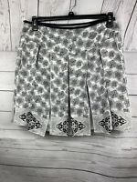 WHITE HOUSE BLACK MARKET Size 8 Women 100% Silk Pleated A-Line Skirt Floral