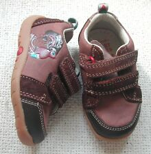 Clarks Boys 2 tone brown leather shoes Pirate on the side 2 straps UK 3 G EU18.5