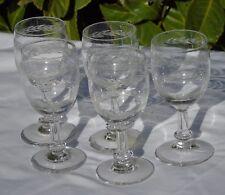 Saint Louis? Lot de 5 verres à vin blanc ou vin cuit en cristal gravé. Début Xxe