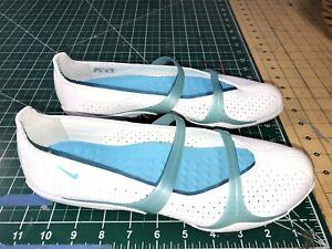 Nike Womens  Flat size 10 US Beautiful/Rare Blue