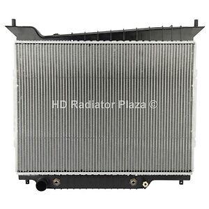Radiator For 03-04 Ford Expedition Lincoln Navigator V8 5.4L 4.6L XLS XLT Sport
