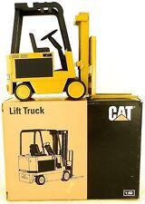 Caterpillar M50B Chariot Élévateur Truck nzg 225 Emballage 1:25 Neuf Å
