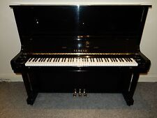 YAMAHA U3 UPRIGHT PIANO. MADE IN THE 1970'S. AMAZING SOUND AND TOUCH
