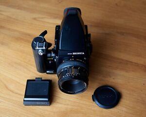 Bronica SQ-B 6x6 medium format Camera, PS/B 80mm 2.8, Prism Finder + Speed Gri.
