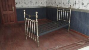 1/12 Dolls House Victorian Single Bedstead  Metal   kit   DHD402