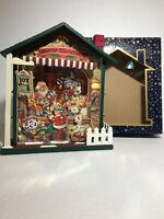"""NIB Wooden Musical House Christmas Santa Toy Store Wind-Up Lights Animated 10x9"""""""