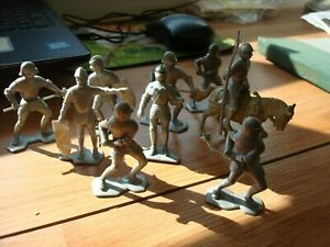"""LOT of 9 VINTAGE LOUIS MARX ROMAN SOLDIERS FROM 1965-2 1/2"""" TALL"""