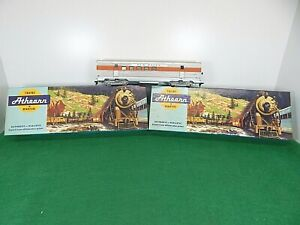Lot of 3 Athearn HO Scale NEW HAVEN Cars 1824,1814,3406