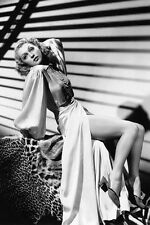 Lilli Palmer Striking Sultry Glamour Pose 11x17 Mini Poster