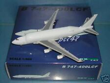 "Blue Box 1:500 B747-400LCF ""All White"""