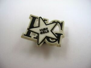Collectible Button: High Gold Rubber Black White Star Design