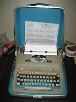 1950's Refurbished Royal Heritage Portable Manual 12p Typewriter w/hard case