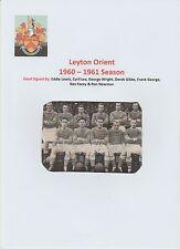 Leyton Orient 1960-1961 Raro Original Firmada a Mano equipo grupo 7 X firmas