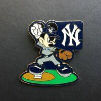WDW - Mickey Mouse Major League Baseball New York Yankees - Disney Pin 45156