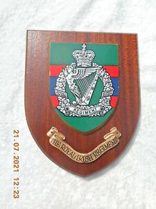 THE ROYAL IRISH REGIMENT        WALL PLAQUE/ CREST / SHIELD