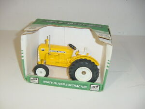 1/16 White Oliver 2-44 Industrial Utility Tractor by SpecCast W/Box!