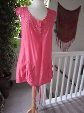 River Island ladies Pink Sequined Tunic two pockets at front Nice detail Size 8
