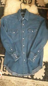 VTG Mens Medium Wrangler Denim Pearl Snap Button Down Shirt Cowboy Farmer