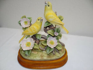 Vintage Andrea by Sadek PAIR Canary Andrea 9238  Birds Figurine & Matching Base