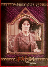 HARRY POTTER - SORCERER'S STONE - Card #017 - PETUNIA DURSLEY - Artbox 2005