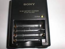 ORIGINALE Sony bc-cs2a BATTERIA-Caricatore bc-cs2b Charger per AA e batterie AAA