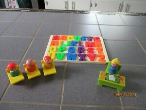 Vintage Fisher Price Little People Play Family School House #923 - Lot