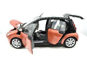 Miniature voiture Kyosho Smart Forfour auto 1/18 diecast Modélisme De Véhicules