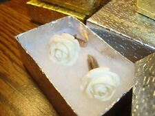 1 Pair (2) White Rose Flower Design Hamilton Gold Plated Cuff links W/Gift Box