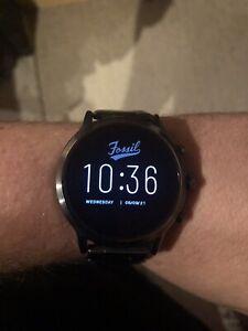 Fossil Smartwatches THE CARLYLE HR SMARTWATCH Herren Smartwatch 44mm Gehäuse