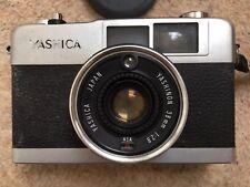 YASHICA 35-ME Camera With YASHINON 50mm 1:2.8m Lens And Manual.