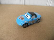 DISNEY PIXAR CARS VOITURE  MIA  DINOCO FLASH McQUEEN METAL 1/55 BON ETAT !!