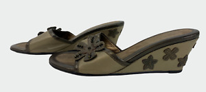 K CLARKS Ladies Womens Sandals Size UK 7 EU 40 Khaki Green Leather Mules Shoes
