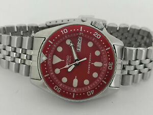 LOVELY RED MODDED SEIKO 7S26-0030 SKX013 AUTOMATIC MENS WATCH SN 970138