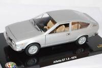 Alfa Romeo Alfetta GT 1.8 Coupe Silber 1974 1/24 Modellcarsonline Modell Auto ..