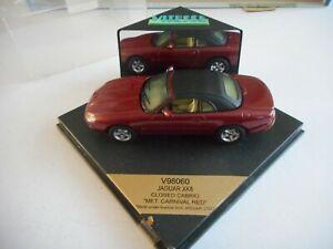 Vitesse V98060 Jaguar XK8 Closed Cabrio Met Carnival Red + Perspex Box