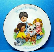 "Avon 1989 Mother's Day Plate ""Loving is Caring"" Free Shipping Nb"