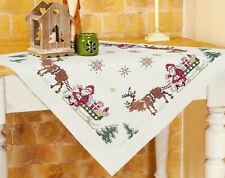 Stickpackung Decke 80x80 cm Weihnachtsmann Rentierschlitten Kreuzstich Sticken