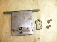 Vintage VVXI - Victor Talking Machine Phonograph Original  Lock and Trim