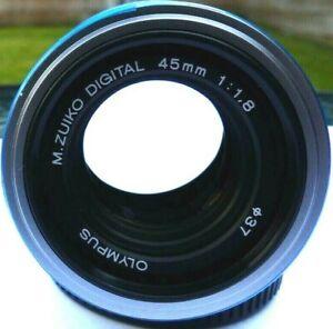 Olympus M.Zuiko 45mm f1.8 Digital  Prime Lens - Micro Four Thirds + Caps